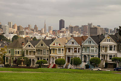Painted Ladies Row Houses And San Francisco Skyline Art Print