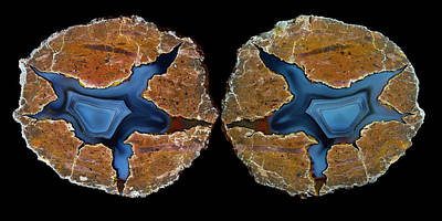 Rock Stars Photograph - Pair Of Matching Thunderegg Agates by Darrell Gulin