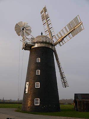 Photograph - Pakenham Windmill 2 by Richard Reeve