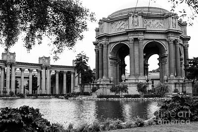 Photograph - Palace Of Fine Arts Bw by Suzanne Luft
