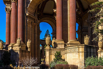 Photograph - Palace Of Fine Arts/columns And Curves by Bill Gallagher
