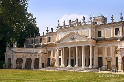 Photograph - Palladian Villa Pisani by Brenda Kean