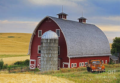 Wheat Field Sky Photograph - Palouse Barn - Est. 1919 by Mark Kiver