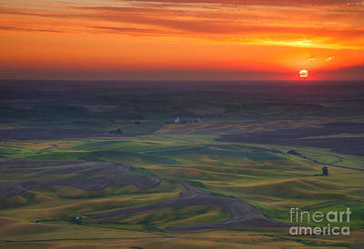 Sundown Photograph - Palouse Sunset by Mike  Dawson
