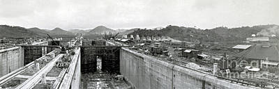Photograph - Panama Canal Construction 1910 by Photo Researchers