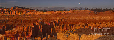 Photograph - Panorama Moonrise Sunset Point Bryce Canyon National Park Utah by Dave Welling