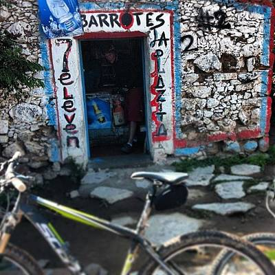 Mtb Photograph - Parada Obligada @ #7eleven #mtb #huesos by Ricardo Del Rio