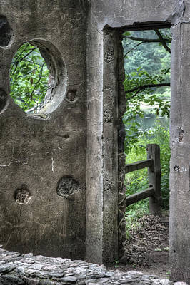 Stone Buildings Photograph - Paradise Springs Spring House Doorway 2 by Jennifer Rondinelli Reilly - Fine Art Photography