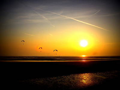 Paragliders At Sunset Art Print