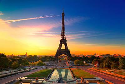 Trocadero Photograph - Paris 17 by Tom Uhlenberg