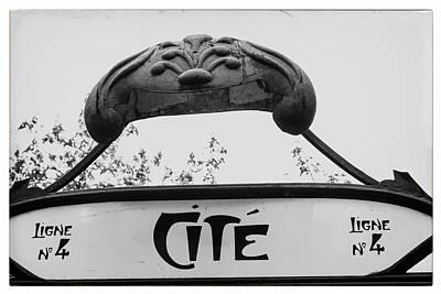 Ligne Photograph - Paris Cite by Georgia Fowler