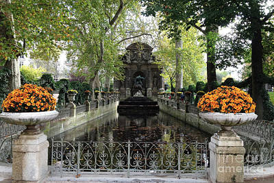 Photograph - Paris Jardin Du Luxembourg Gardens Autumn Fall  - Medici Fountain Sculpture Autumn Fall Photographs by Kathy Fornal