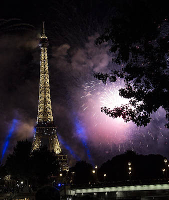 Photograph - Paris - July Famous Fireworks Near Eiffel Tower During Celeb by Radoslav Nedelchev