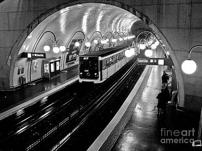 Photograph - Paris Metro by Carlos Alkmin