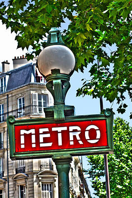 Photograph - Paris Metro Sign by Toby McGuire