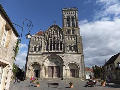 parvis de la Basilique Sainte-Marie-Madeleine de Vezelay Art Print