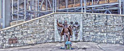 Joe Paterno Photograph - Paterno Statue Panoramic by Tom Gari Gallery-Three-Photography