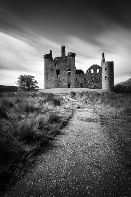Path To Kilchurn Castle Art Print by Dave Bowman
