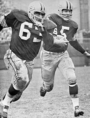 Green Bay Packers Photograph - Paul Hornung Running by Gianfranco Weiss