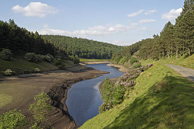 Howden Reservoir Photograph - Peak Reservoir by Kevin Round