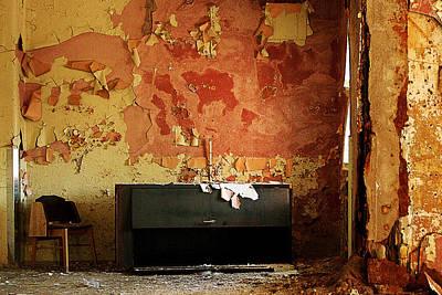 Pennhurst Orange Room Print by W Scott Phillips