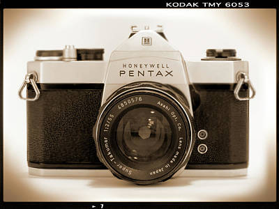 Vintage Camera Wall Art - Photograph - Pentax Spotmatic IIa Camera by Mike McGlothlen