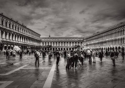 Photograph - People On San Marco Square by Roberto Pagani