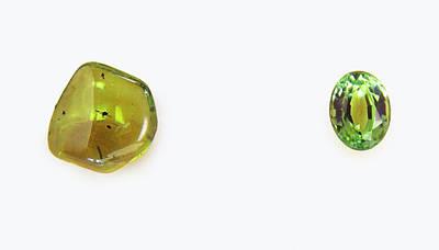 Peridot Photograph - Peridot Pebble And Mixed-cut Peridot by Dorling Kindersley/uig
