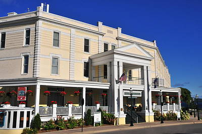Photograph - Perry Hotel by Brian Hoover