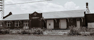 Photograph - Perry Oklahoma Train Station by Nathan Hillis