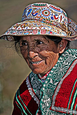 Peruvian Old Lady Art Print by Walter Iglesias