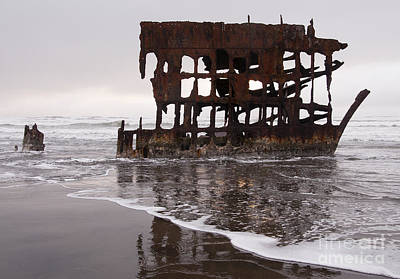 Peter Iredale Photograph - Peter Iredale 2 by Vivian Christopher
