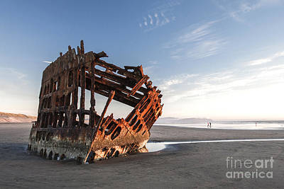 Peter Iredale Photograph - Peter Iredale by Sharon Ely