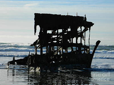 Neurotic Images Photograph - Peter Iredale Shipwreck by Chalet Roome-Rigdon