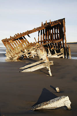 Peter Iredale Photograph - Peter Iredale Shipwreck by George Herbert