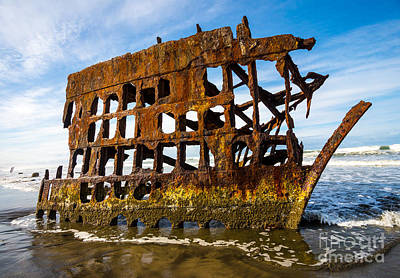 Peter Iredale Shipwreck - Oregon Coast Art Print by Gary Whitton
