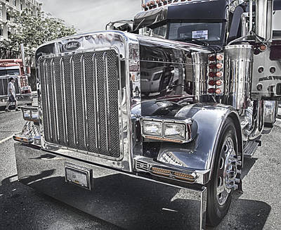 Photograph - Peterbilt 2005 by Theresa Tahara