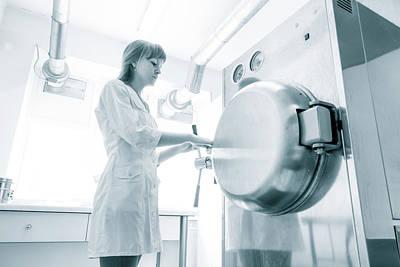Pharmaceutical Worker Art Print by Wladimir Bulgar/science Photo Library