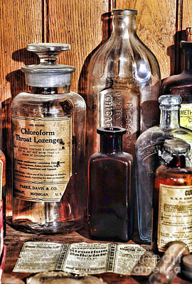 Medicine Bottles Photograph - Pharmacy - Chloroform Throat Lozenges by Paul Ward