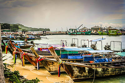 Print featuring the photograph Phi Phi Island by Rob Tullis