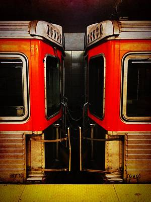 Photograph - Philadelphia - Subway Face Off by Richard Reeve