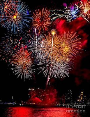 Philly Fireworks 2014 Art Print by Nick Zelinsky