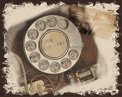 Antique Look Digital Art - Phone Old Style by Kae Cheatham