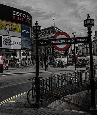 Bus Photograph - Piccadilly Circus by Martin Newman