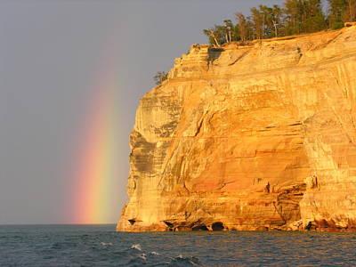 Photograph - Pictuered Rocks 3 by Robert Lozen