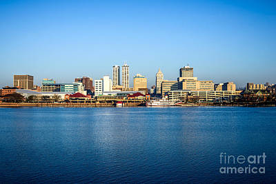Riverboats Photograph - Picture Of Peoria Illinois Skyline by Paul Velgos