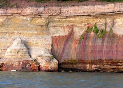 Photograph - Pictured Rocks Lakeshore 1 by Robert Lozen