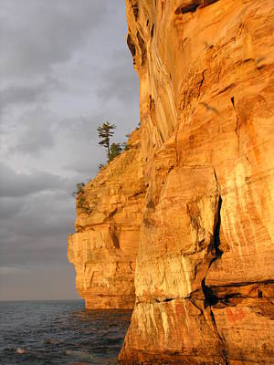 Photograph - Pictured Rocks Lakeshore 2 by Robert Lozen