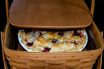 Photograph - Pie 'n Basket by E Faithe Lester