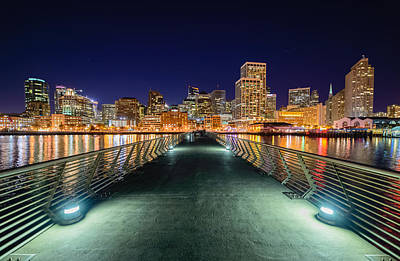 Queen - Pier 14 by Mike Ronnebeck